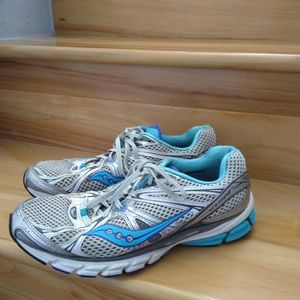 Saucony women's shoes size 10
